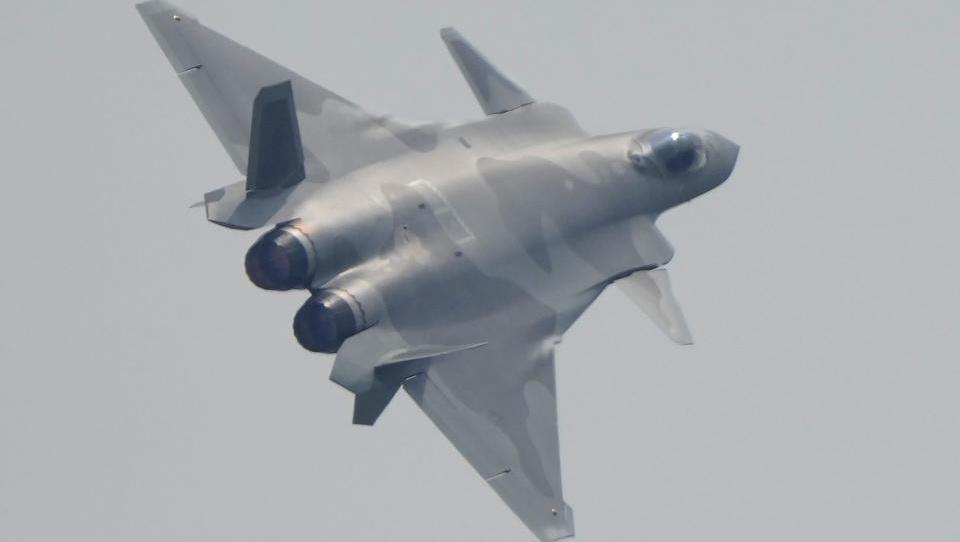 Chinesische Bomber und Kampfjets über Taiwan: Raketenabwehr in Alarmbereitschaft