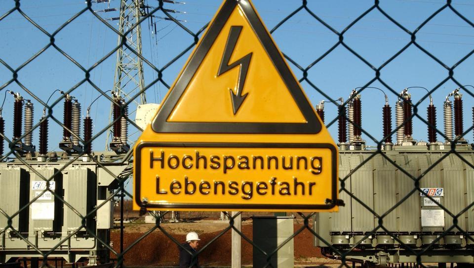 Weil Stromversorgung in Gefahr ist? Energieversorger kasernieren hunderte Mitarbeiter am Arbeitsplatz ein
