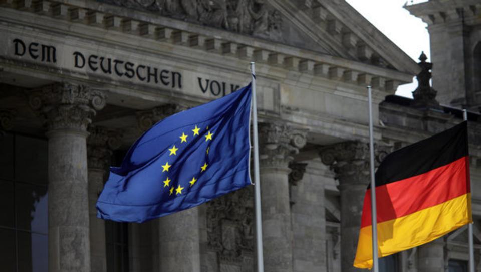 Weik & Friedrich: Corona versetzt Euro den Todesstoß - Deutschland braucht eine neue Währung