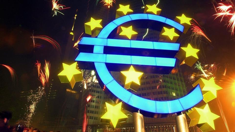 """EZB-Direktor: Zentralbank muss Europas Wirtschaft """"heiß laufen"""" lassen"""