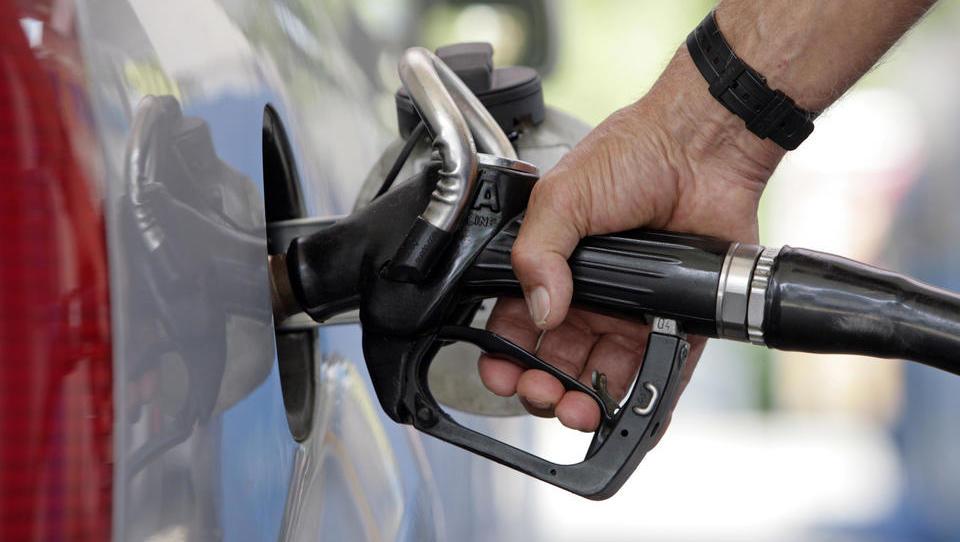 Umweltschützer fordern Erhöhung von Diesel-Preis um 53 Cent, Behörde um 70 Cent