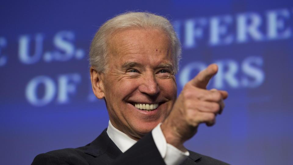 Ein Drittel der US-Amerikaner glaubt, dass Biden wegen Wahlbetrugs Präsident geworden ist