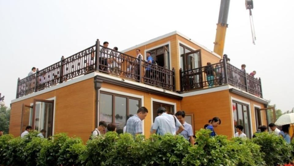 Rekord: Erdbebensichere Fertig-Villa in drei Stunden