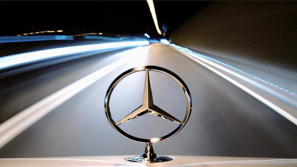Daimler schickt Großteil seiner Mitarbeiter im April in Kurzarbeit