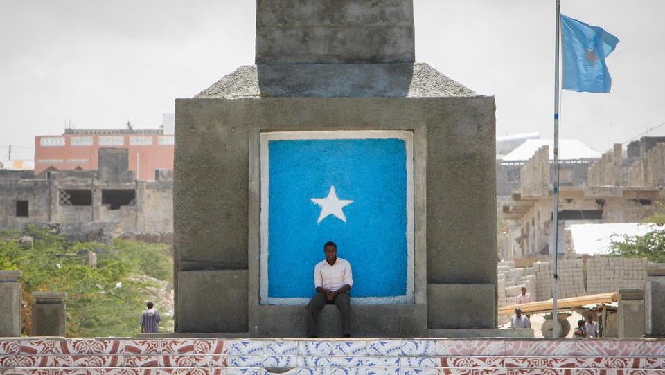 Schwere Angriffe auf US-Stützpunkt und EU-Militärberater in Somalia