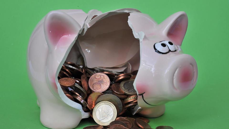 Bundesbank: Privathaushalte sparen in der Corona-Krise vor allem Bargeld