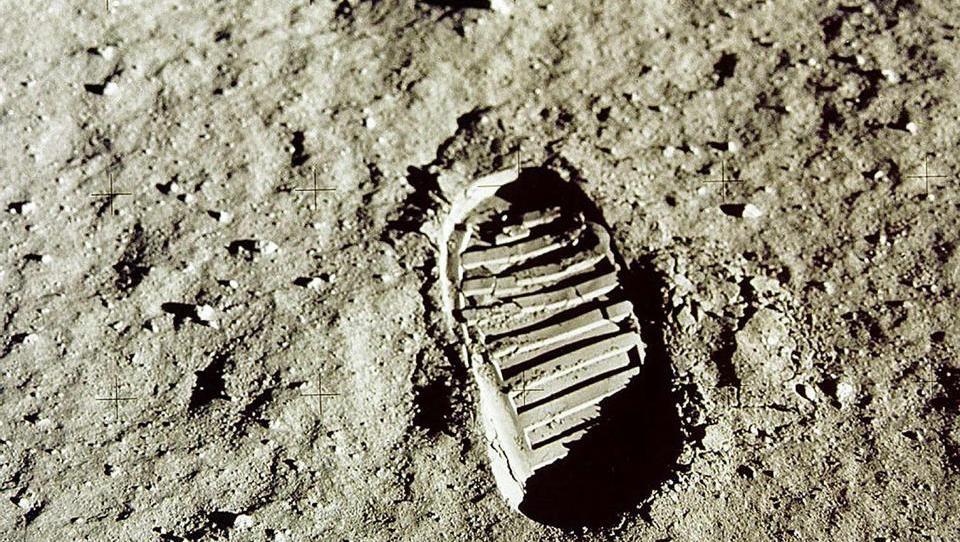 Die dunkle Seite des Mondes: Mondstaub ist Gift für den Körper