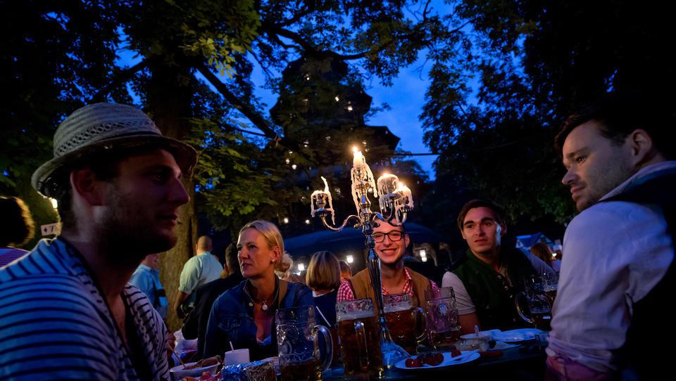 Corona-Ticker: Stimmungsumschwung - Große Mehrheit der Deutschen für Lockerungen und Öffnungen