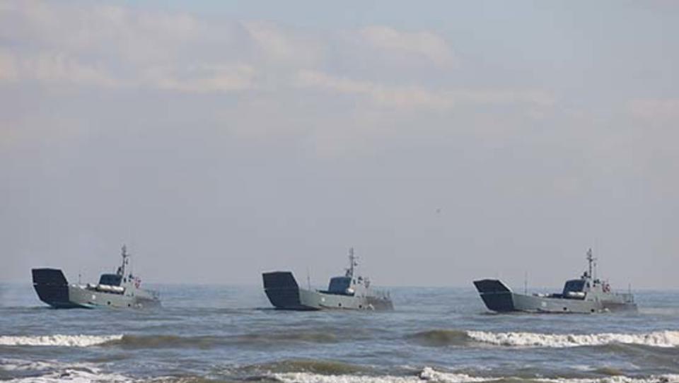 Russland verlegt zehn Kriegsschiffe vom Kaspischen ins Schwarze Meer
