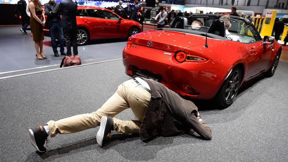 """Ende der großen Auto-Messen kündigt sich an: Der """"Internationalen Motor Show"""" in Genf laufen die Aussteller davon"""