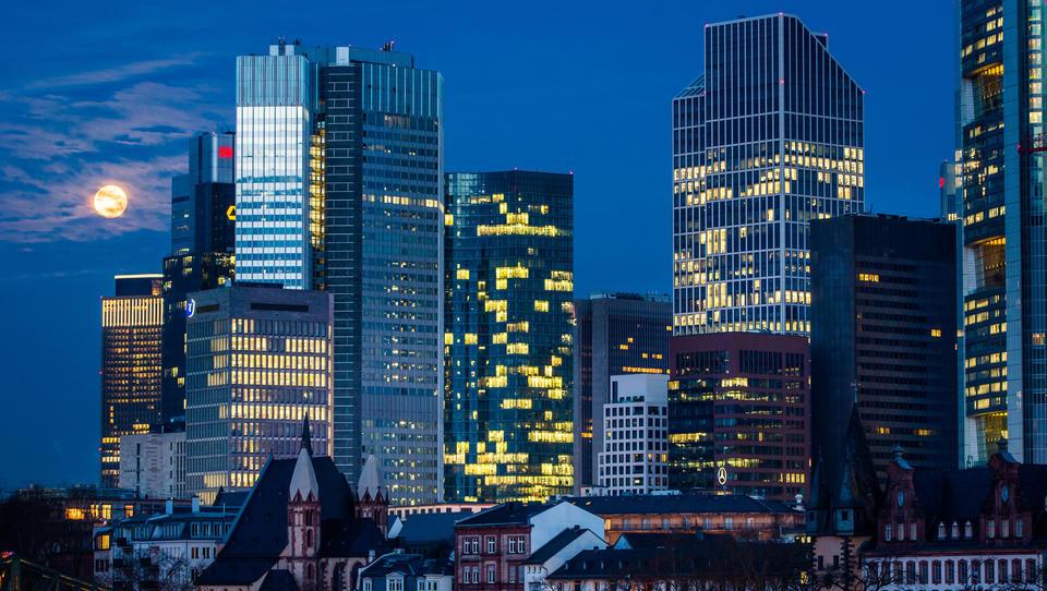 Österreichs Banken steigern Gewinne, weil die Vorsorgen für faule Kredite schmelzen