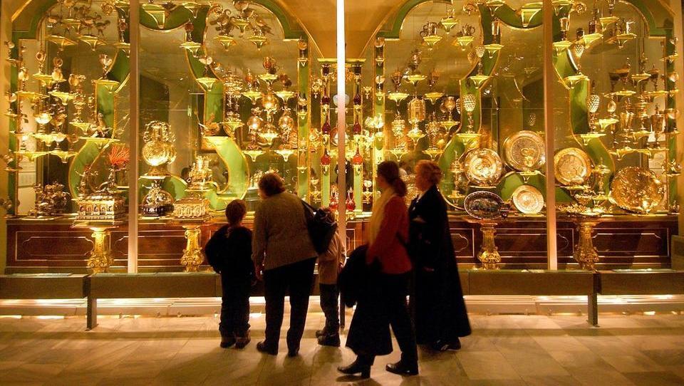Dresdens Schatzkammer Grünes Gewölbe von Einbrechern geplündert
