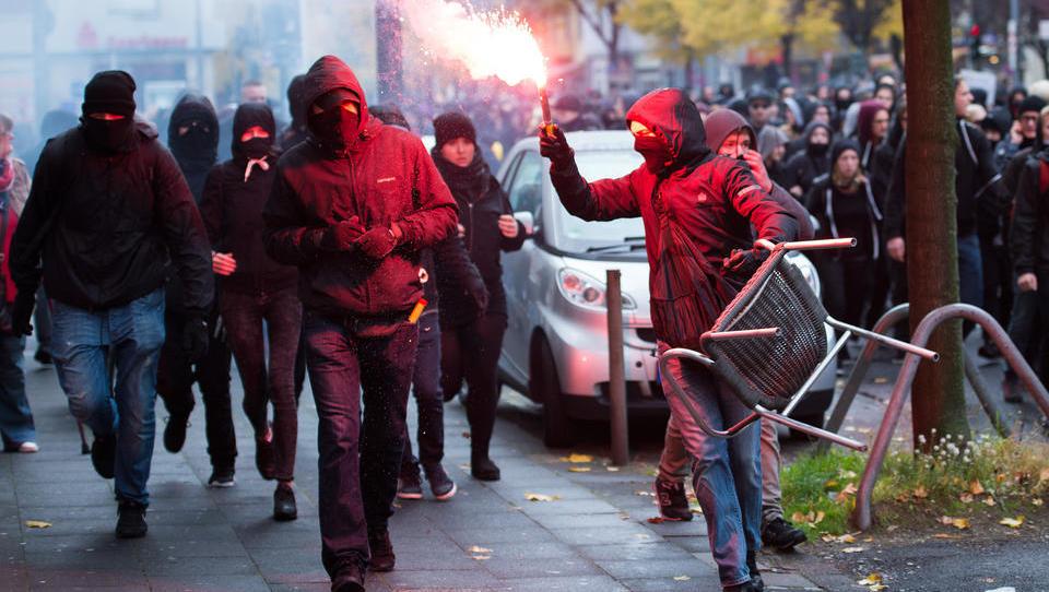 """""""Antifa AK Köln"""": An der Uni Köln werden Verfassungsfeinde finanziert, doch die Bundesregierung schweigt"""