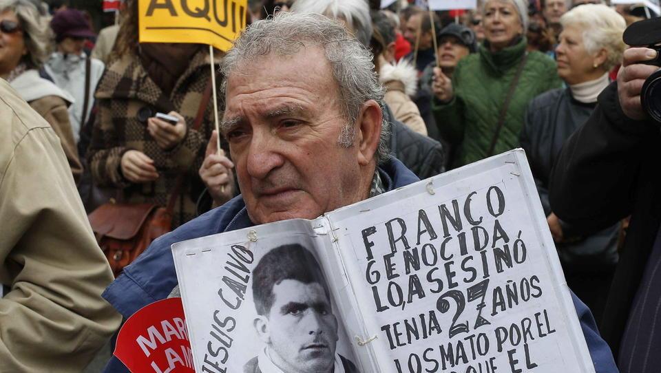 """""""Die Roten säubern"""": In Spanien sind die Militärs gegen die linke Regierung"""