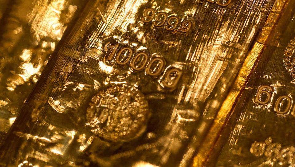 Erste Zentralbank gibt in großem Stil Gold an die Bürger aus