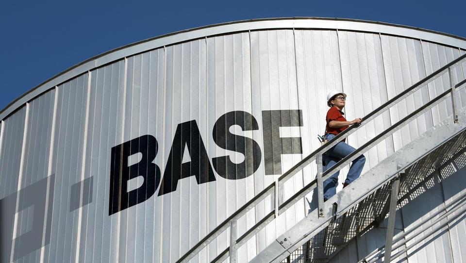 Neuigkeiten aus der Firmenwelt: BASF nimmt Neuschulden in Milliardenhöhe auf