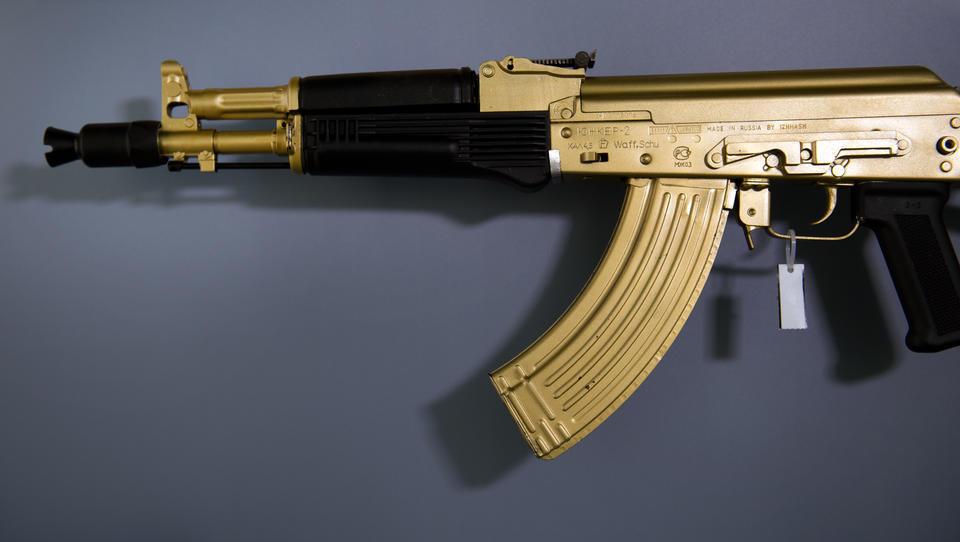 100 Jahre Kalaschnikow: Russland feiert den Menschen und die Waffe