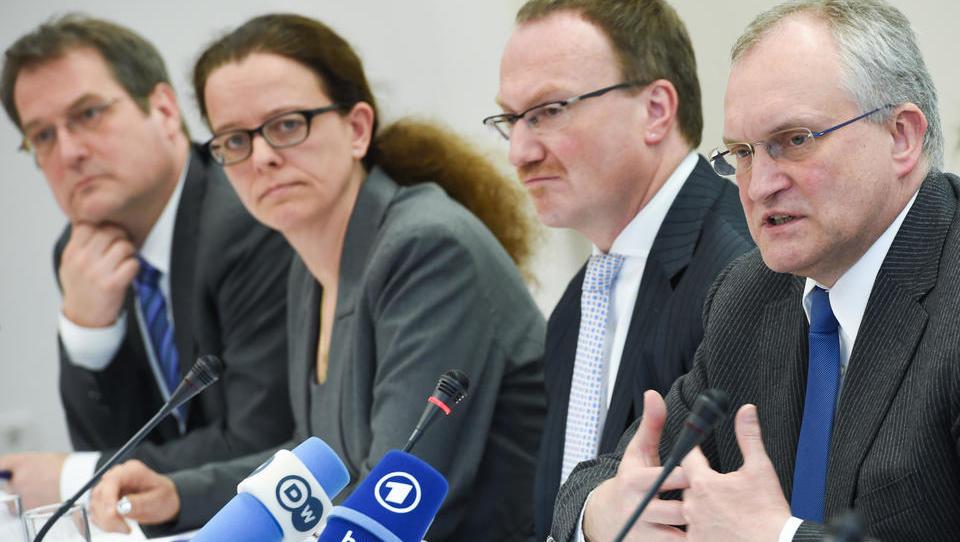 CORONA-TICKER: Früherer Chef der Wirtschaftsweisen warnt vor Verlängerung des Lockdowns