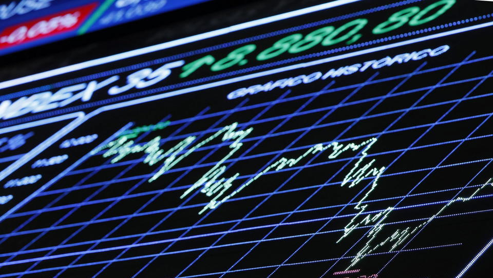 Zu viel Geld im System: Interbanken-Zinsen sinken auf Allzeittief, Geld kommt nicht in der Realwirtschaft an