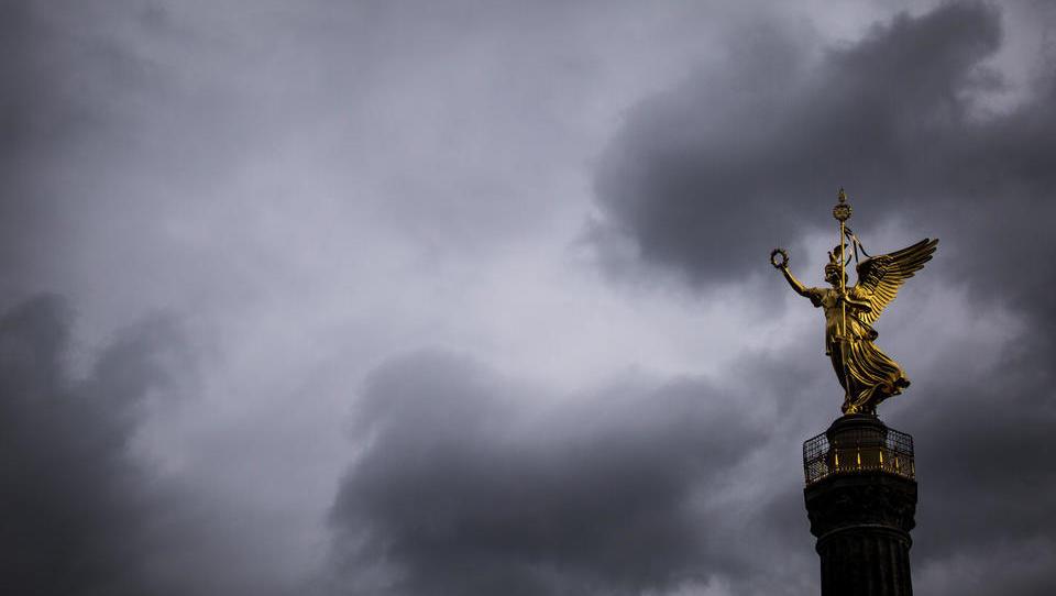 Lockdown ist weltweite Schock-Strategie: Finanz-Industrie will Staaten in die Totalverschuldung treiben