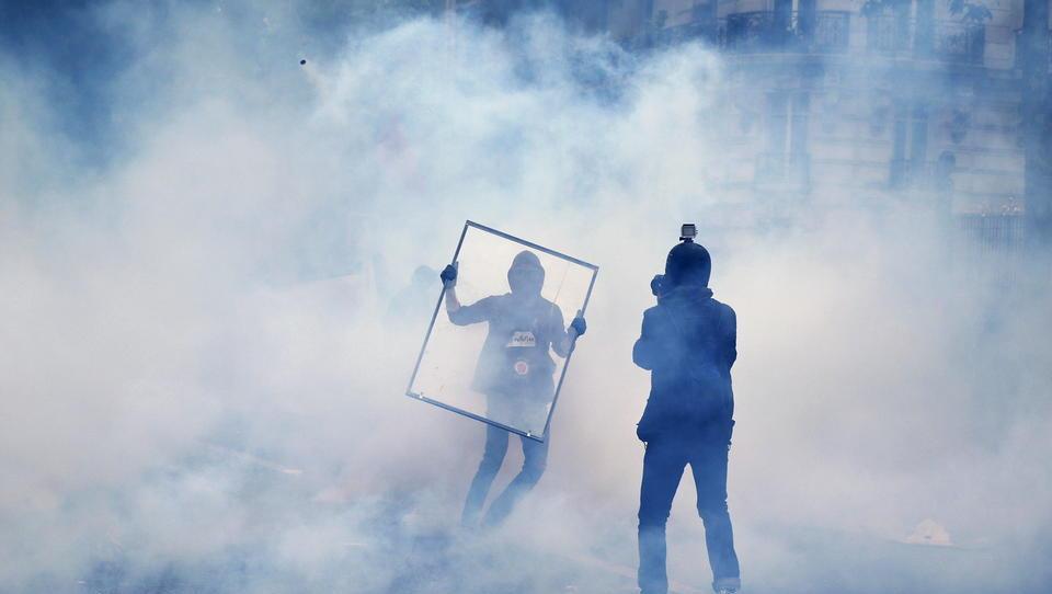 Frankreich: Demonstranten blockieren Häfen, legen Containerhandel lahm