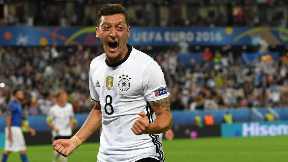 Kurios: Mesut Özil verzichtet auf Gehalt bei Fenerbahçe bis zum Saisonende