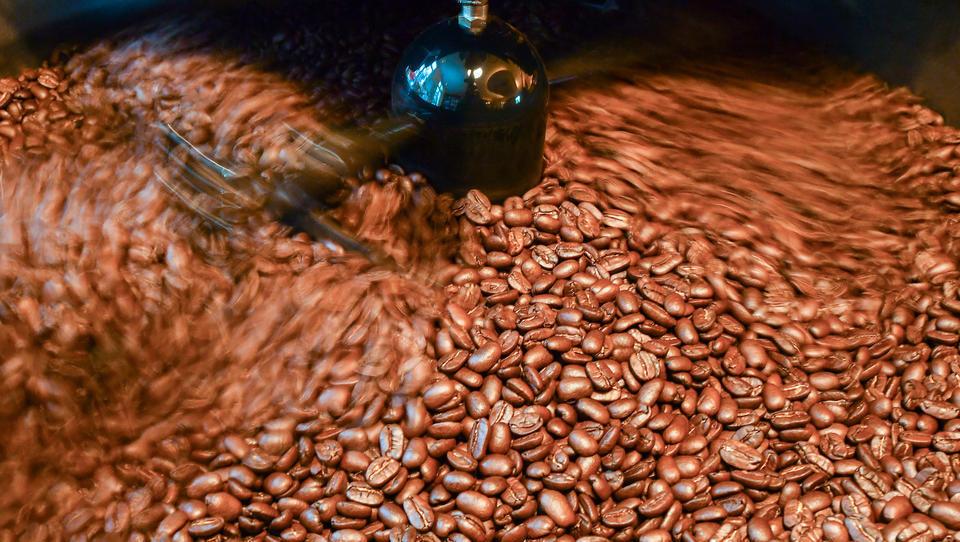 Ford fertigt Autoteile aus Kaffebohnen-Schalen von McDonald´s