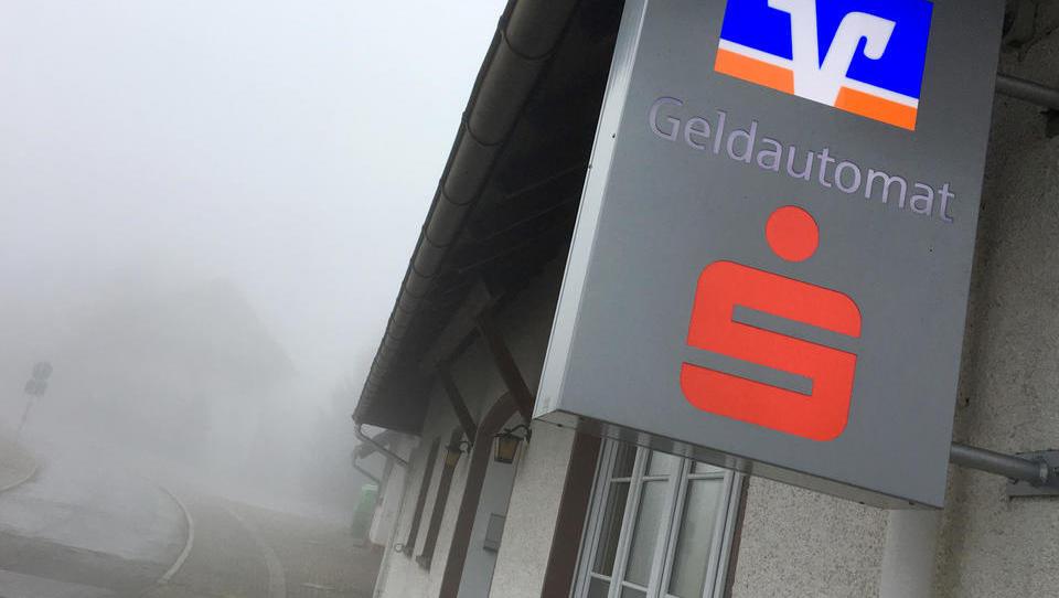 Wegen EZB-Nullzinsen: Sparkasse und Volksbank legen erstmals Filialen zusammen