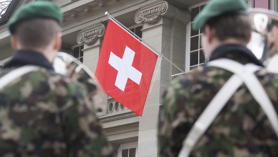 Schweizer Armee warnt seit 2012 vor schweren Unruhen und Konflikten in Europa