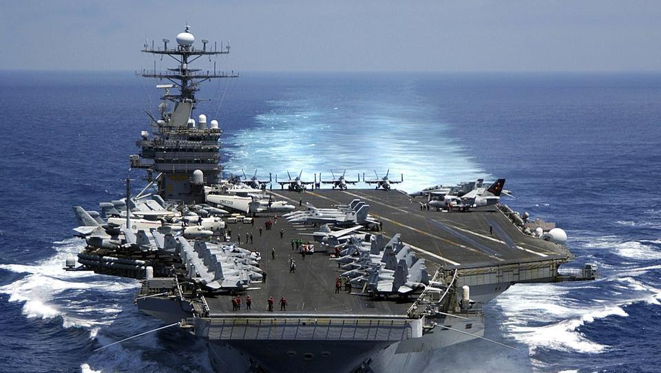 Nur noch Überschall-Raketen? USA erwägen Abschaffung ihrer Flugzeugträger