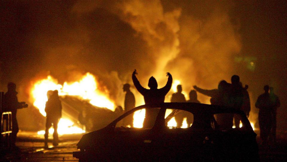Polizei-Gewalt löst schwere Ausschreitungen in Nordfrankreich aus