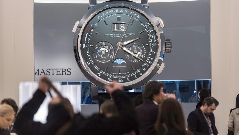 China-Geschäft beschert Luxuskonzern Richemont Erholung