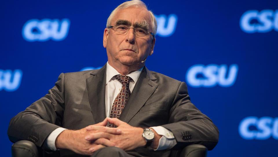 """CSU-Urgestein Waigel: """"Wer am rechten Rand punkten will, verliert in der Mitte"""""""