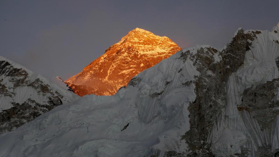 """""""Berg-Yuppies mit einer Heerschar von Helfern"""": Alpinisten-Legende Messner rechnet mit der """"Generation Facebook"""" ab"""