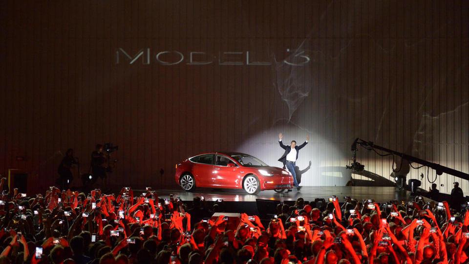 Ein Tesla-Unfall erschüttert das Märchen von der umweltfreundlichen E-Mobilität