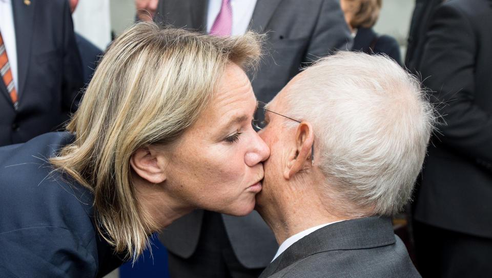 Verfassungsgericht stimmt Erhöhung des Rundfunkbeitrags zu – Ein Sieg für Schäubles Tochter, die ARD-Programmdirektorin ist