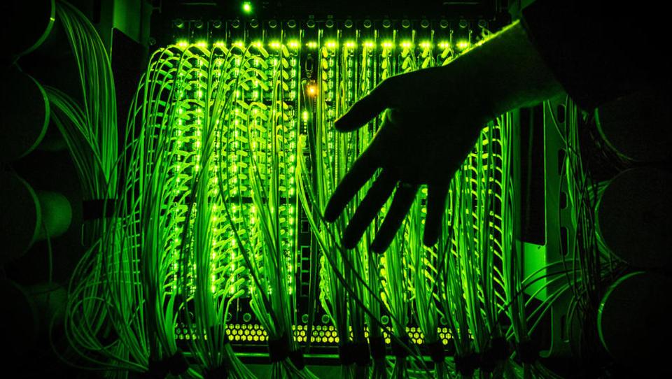 Technologische Abkopplung: Chinas Behörden ersetzen ausländische Software durch einheimische Systeme