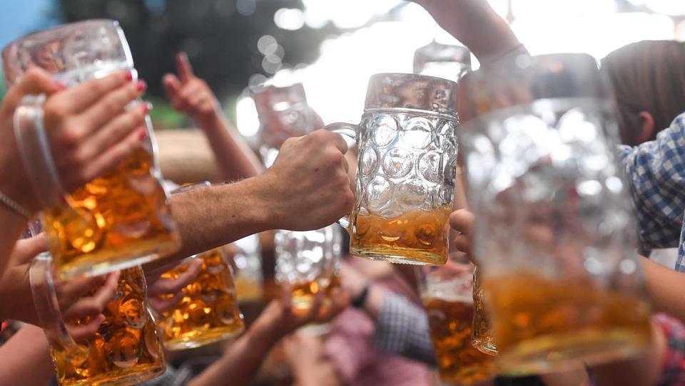 Bier in Brauereien wird langsam schlecht: Gibt es endlich Freibier für ganz Deutschland?