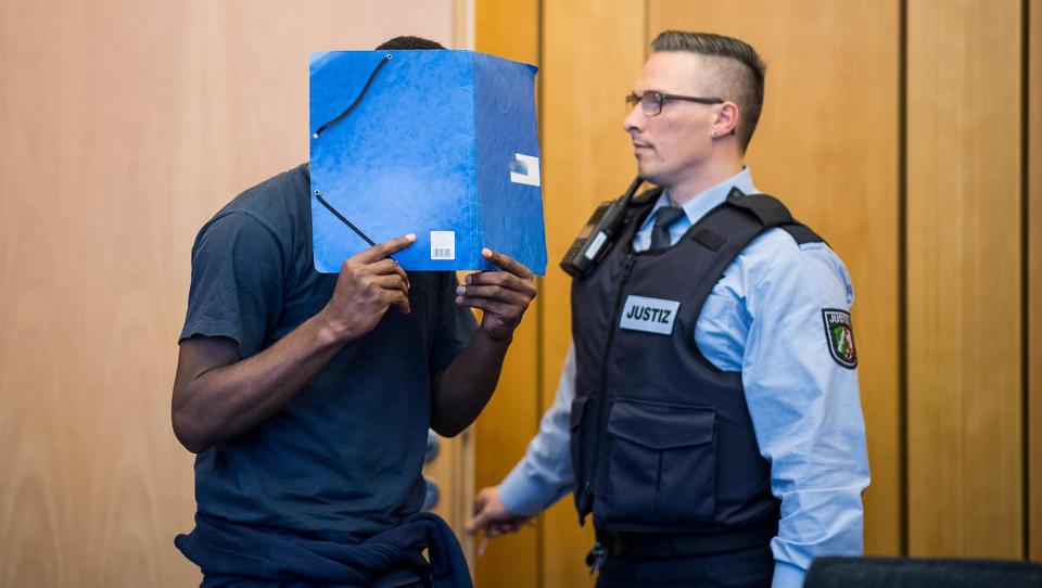 Deutsche Polizei und Justiz völlig hilflos: Macht der nigerianischen Mafia wächst rasant