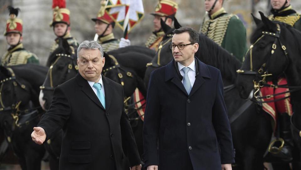Ungarn und Polen gehen gegen Gender Mainstreaming-Ideologie in EU-Dokumenten vor
