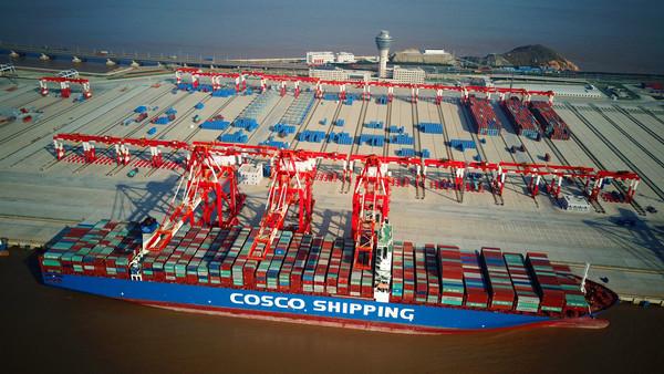 Chinesische Reederei baut neuen Super-Frachter