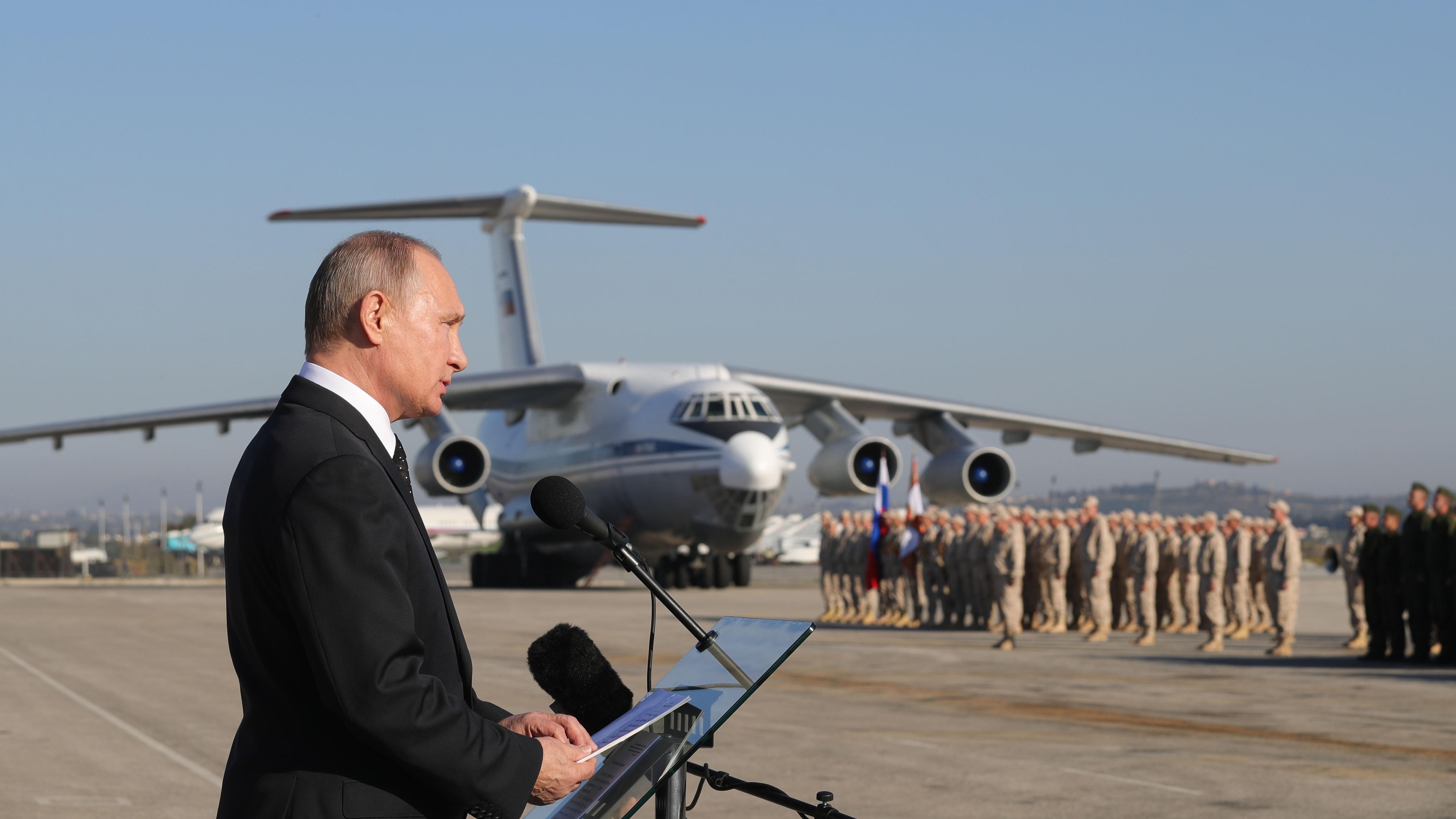 Russische Luftwaffe fliegt schwere Angriffe auf IS-Zellen in Syrien