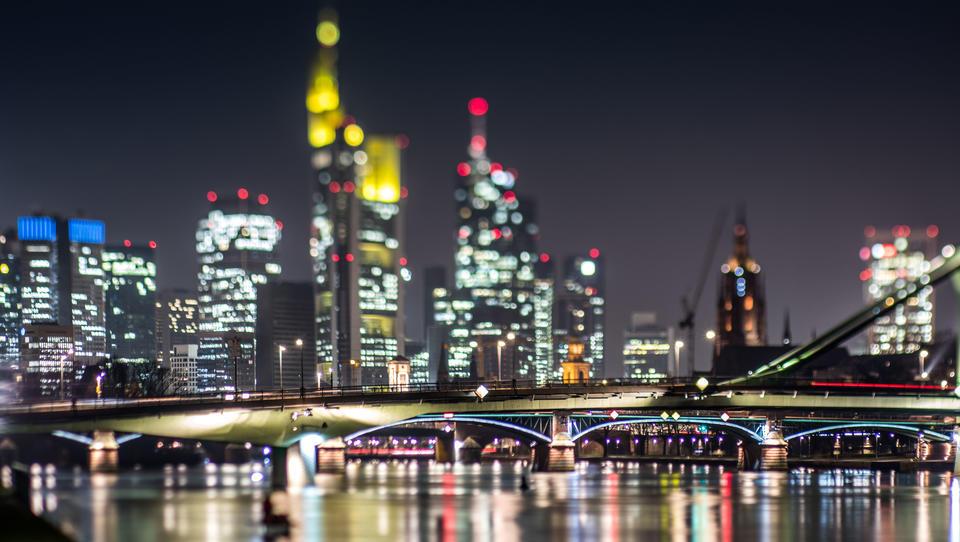 Cerberus greift an: Commerzbank-Vorstandssitzung platzt, US-Investor fordert Kahlschlag bei Arbeitsplätzen