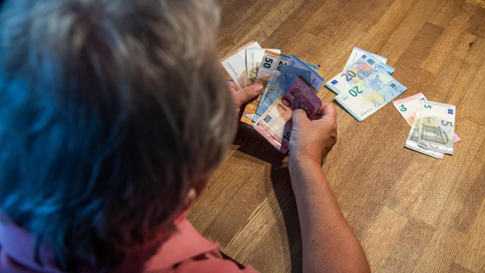 Ernüchternde Studie: Riester-Rente kann sinkendes Rentenniveau nicht abfedern