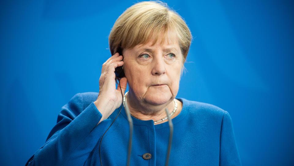 Merkel erwartet harten Brexit, wenn Briten bei Nordirland nicht nachgeben