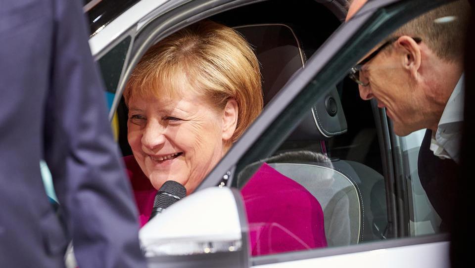 VW liefert im September deutlich mehr Autos aus