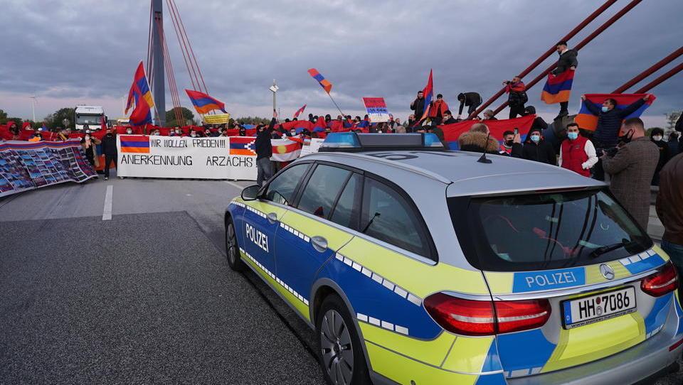 Demonstration führt zu Sperrung auf Autobahn in Hamburg