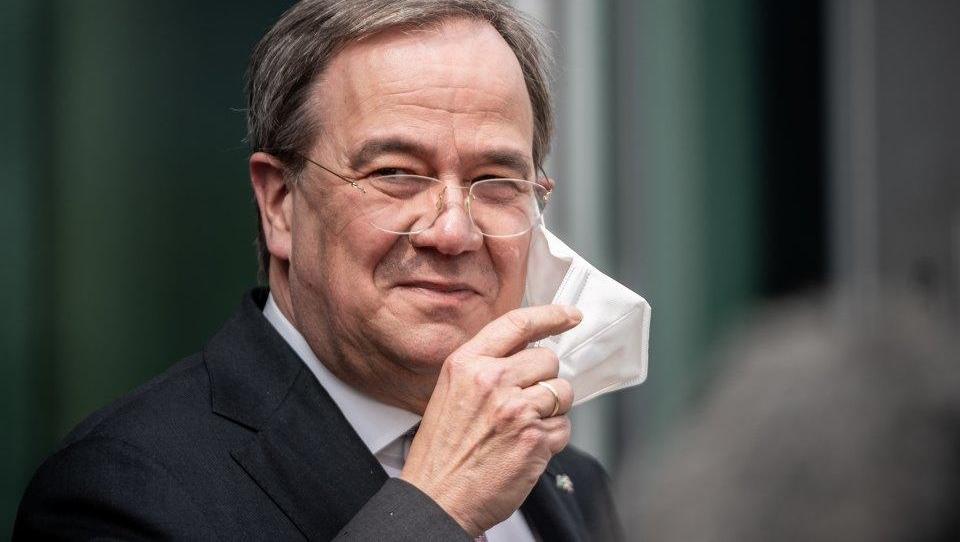 SPD-Chef Walter-Borjans will Laschet vorerst nicht gratulieren