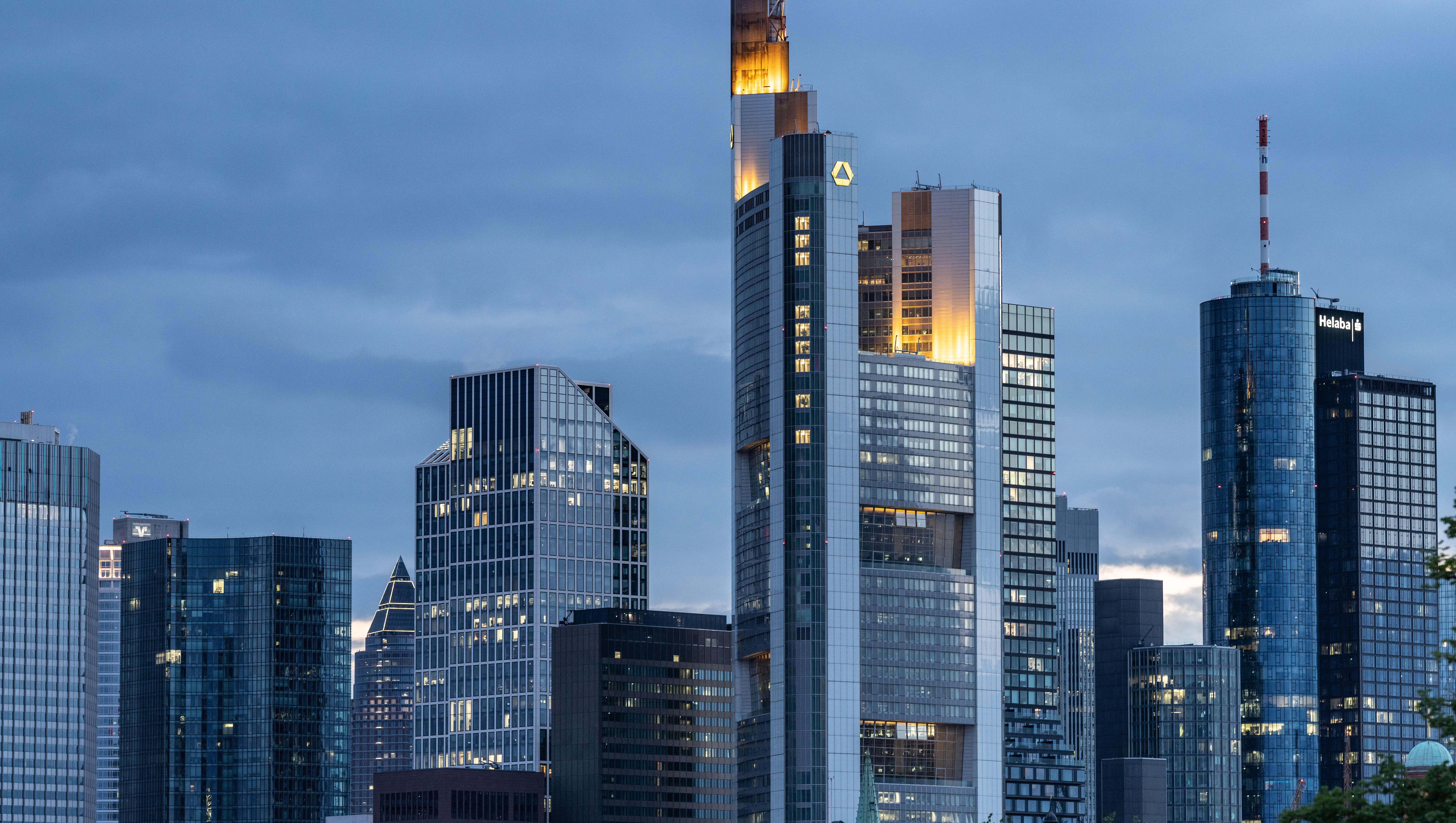 EZB hat Geschäftsbanken für Negativzinsen mehr als kompensiert