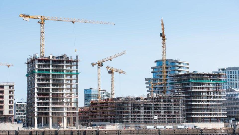 Auftragsrekord für Baubranche: Warnung vor Immobilienblase